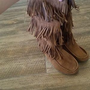 Soda Fringe Indian Style Zip Up Boot Size 7